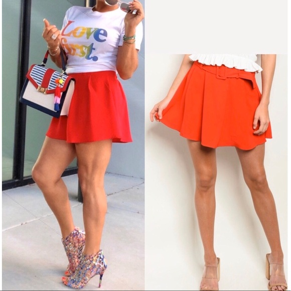 Red High waisted belted loose shorts (skort), NEW!